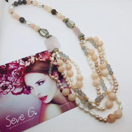 collana lunga perle quarzo grigio, rosa, cristalli