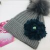 cappello pon pon grigio fiore pietre tessuto verde