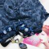 sciarpa blu gioiello chiusura ciondolo