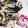 sciarpa tessuto gioiello ciondolo fantasia pietre cristalli