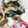 sciarpa gioello fantasia geometrica multicolore