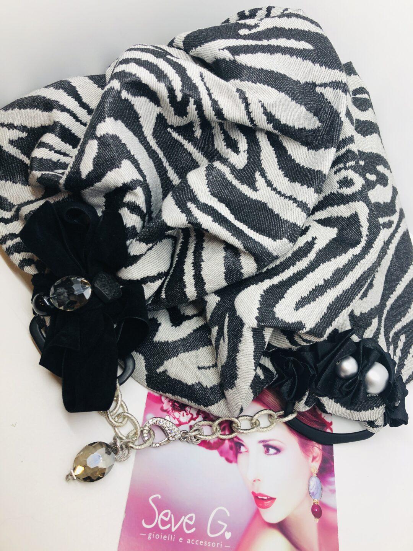 sciarpa zebrata animalier grigio nero argento