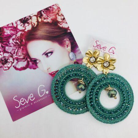 Orecchini uncinetto cristallini fiore gancio strass ciondolo verde
