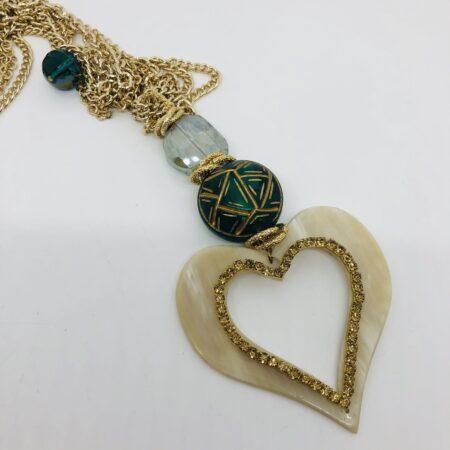 Collana lunga cuore ciondolo verde resina osso cristallo corno