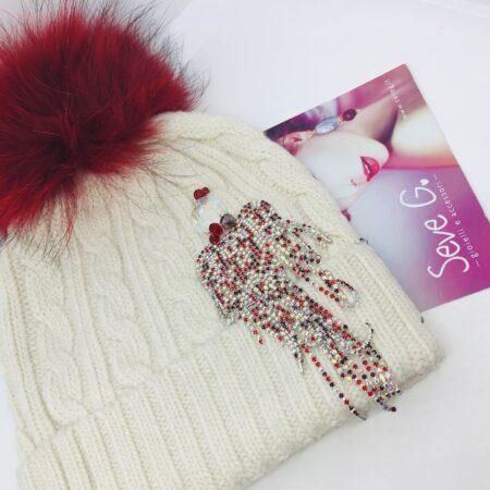 cappello pon pon cuore panna e rosso